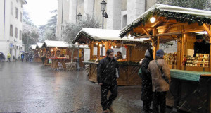 Marché de Noël à Arco, Trentin Haut-Adige, Italie. Auteur et Copyright Liliana Ramerini